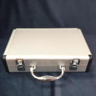 Mini Silver Aluminium Close Up Case Deluxe